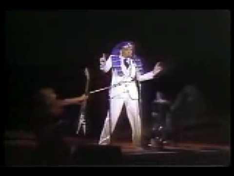 what makes Steve Martin so fun !?!!! NO SHAME !!! I LOVE HIM • Steve Martin - King Tut (Live 1979)