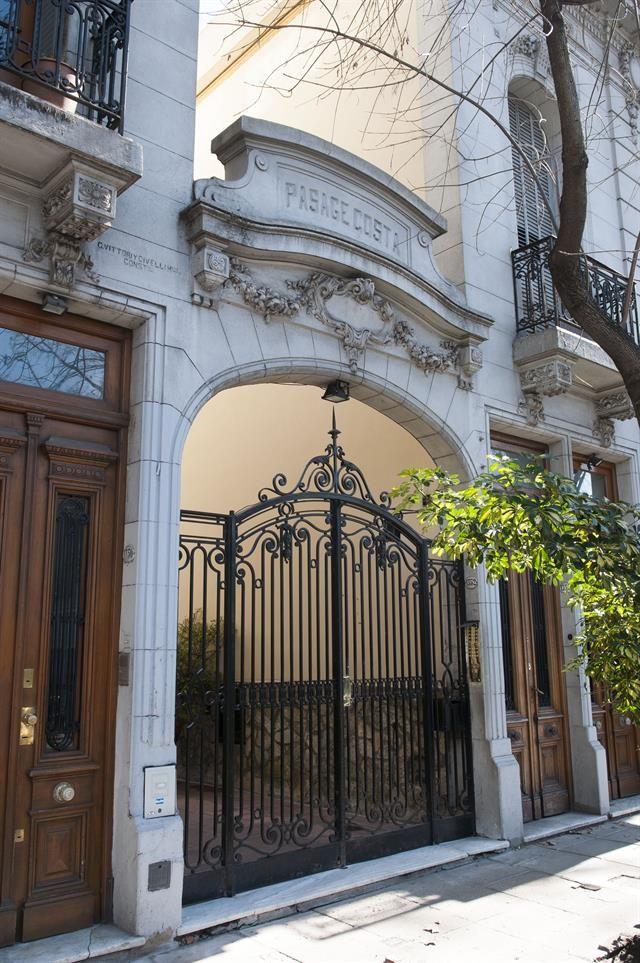 Pasaje Costa, Medrano al 1300, Palermo, ciudad de Buenos Aires.