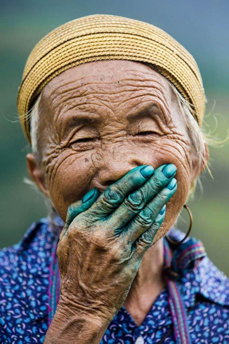 Quand on prends de l'âge  il y a deux chose acquises on a la main verte...Et un bonnet jaune ...