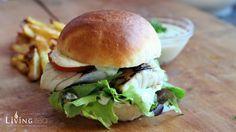 Fisch-Burger mit Seelachsfilet und selbstgemachter Remoulade_Piraten Burger_fisch-burger