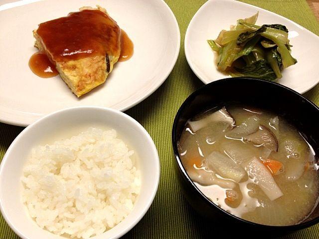 といってもカニカマ玉ですが。 - 11件のもぐもぐ - かに玉,青梗菜の中華風煮浸し,根菜味噌汁 by matthew415