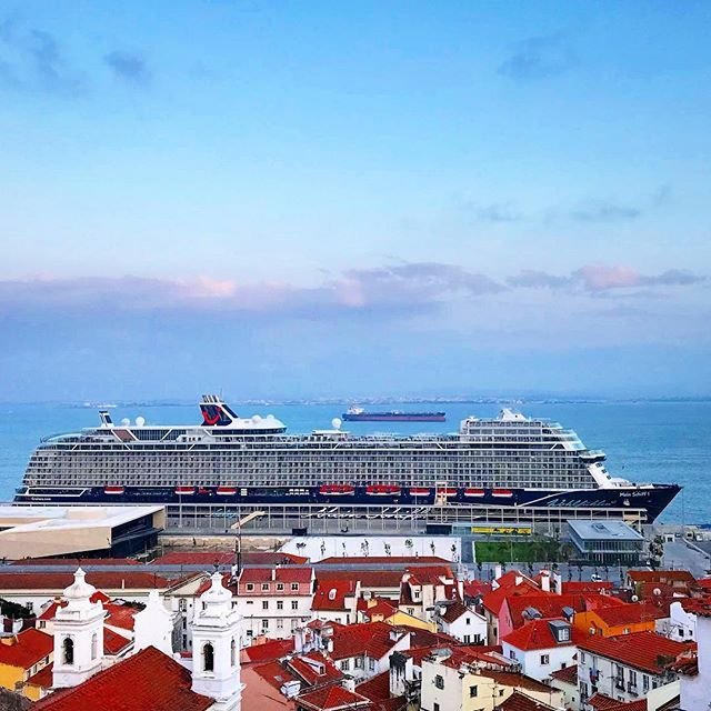 Maiden Call Of Mein Schiff 1 In Lisbon From The Miradouro De Santa Luzia You Have A Fantastic View Over The Red Tiled Roofs Of The Alfama To The R Cruiseschepen