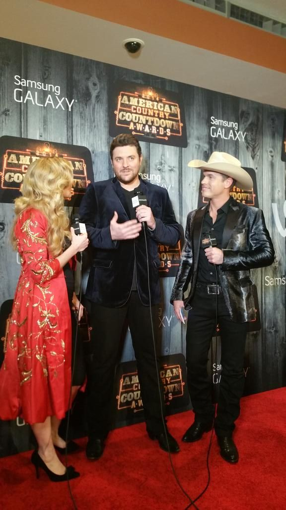 Dustin Lynch Tweeted:  Aw Naw! Chris Young