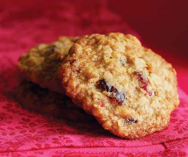 Chewy Cranberry-Oatmeal Cookies Recipe