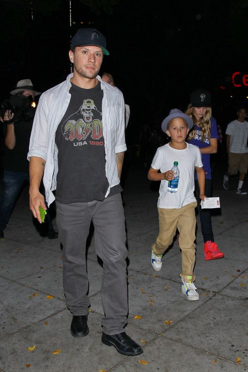 Ryan Phillippe Takes Kids To Bruno Mars Concert