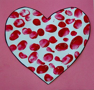 Valentine's Day fingerprint heart craft. I love it!