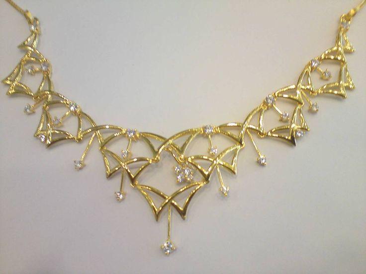 Elegant Wedding Necklace Design