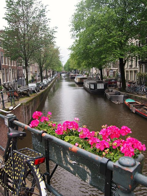 Amsterdam Canal. Our tips for 25 things to do in the Netherlands: http://www.europealacarte.co.uk/blog/2012/02/02/what-to-do-in-the-netherlands/