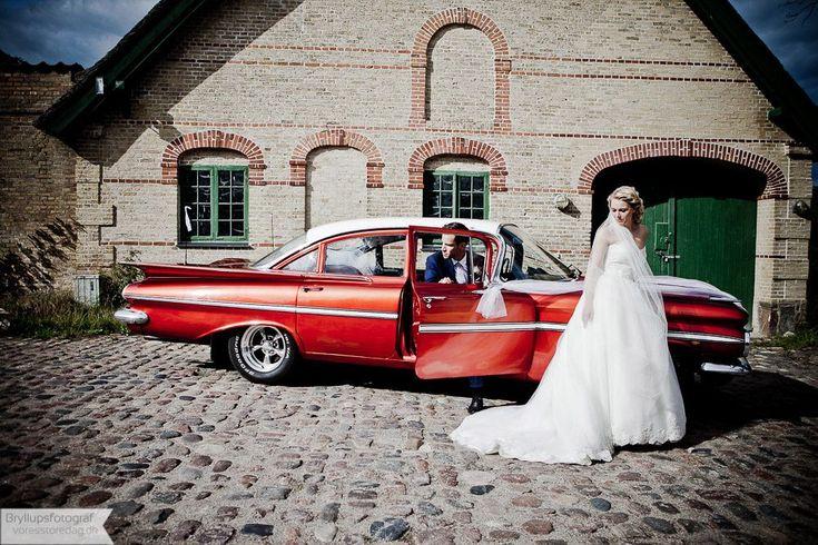 Bryllupsbilleder fra Kokkedal slot bryllup Fotografering af bryllup på Kokkedal slot, er blevet en tilbagevendende begivenhed for voresstoredag.dk hvert år. Vi laver flere bryllupper på det smukke og romantiske Kokkedal slot. Vi har herunder lagt en bryllupsfoto serie taget fornylig ... Read More