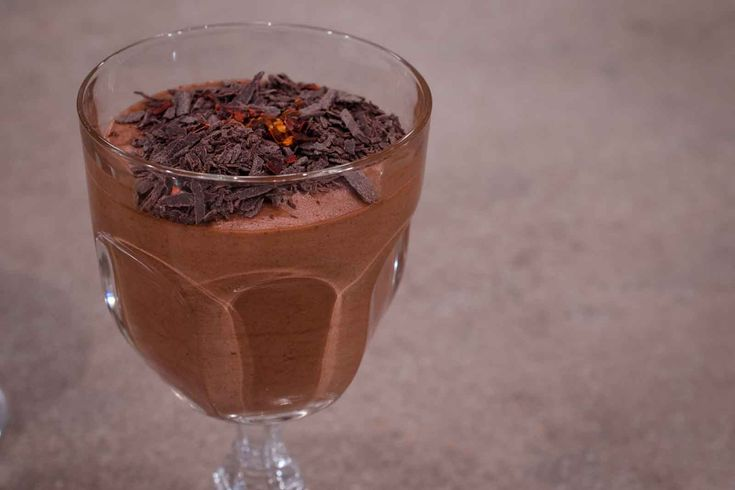 Μους Σοκολάτας με Τσίλι & Καφέ. Συνταγή: Λιάνκα Κάρμη