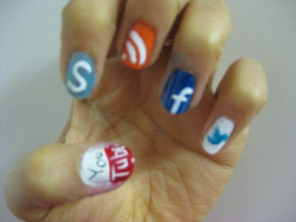 social media fingernails