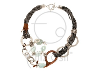 Akuamarin taşlı kolye / Necklace with aquamarine stones