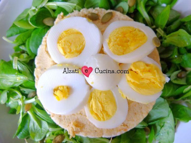 Hummus di ceci e uova sode