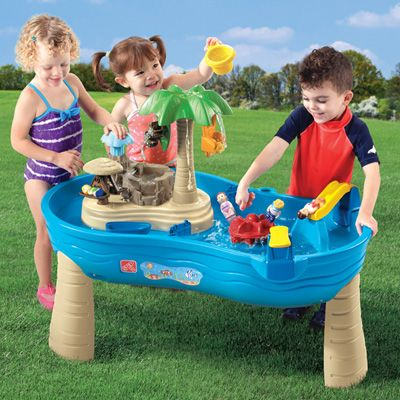 The best #summer #gift for kids: the #Step2 #Tropical Island Resort #playset. Comes with the basin, the island and 14 accessories for hours of fun.