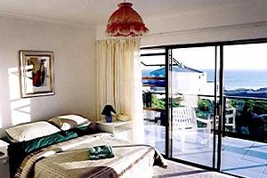 CAPE GULL BED & BREAKFAST, Bloubergstrand Accommodation Cape Town - Cape Gull is a lovely bed and breakfast inn located in Bloubergstrand. It has panoramic views of Cape Town, easy access to all of Cape Town's attractions, and is close to the beach. It can sleep 6 people.