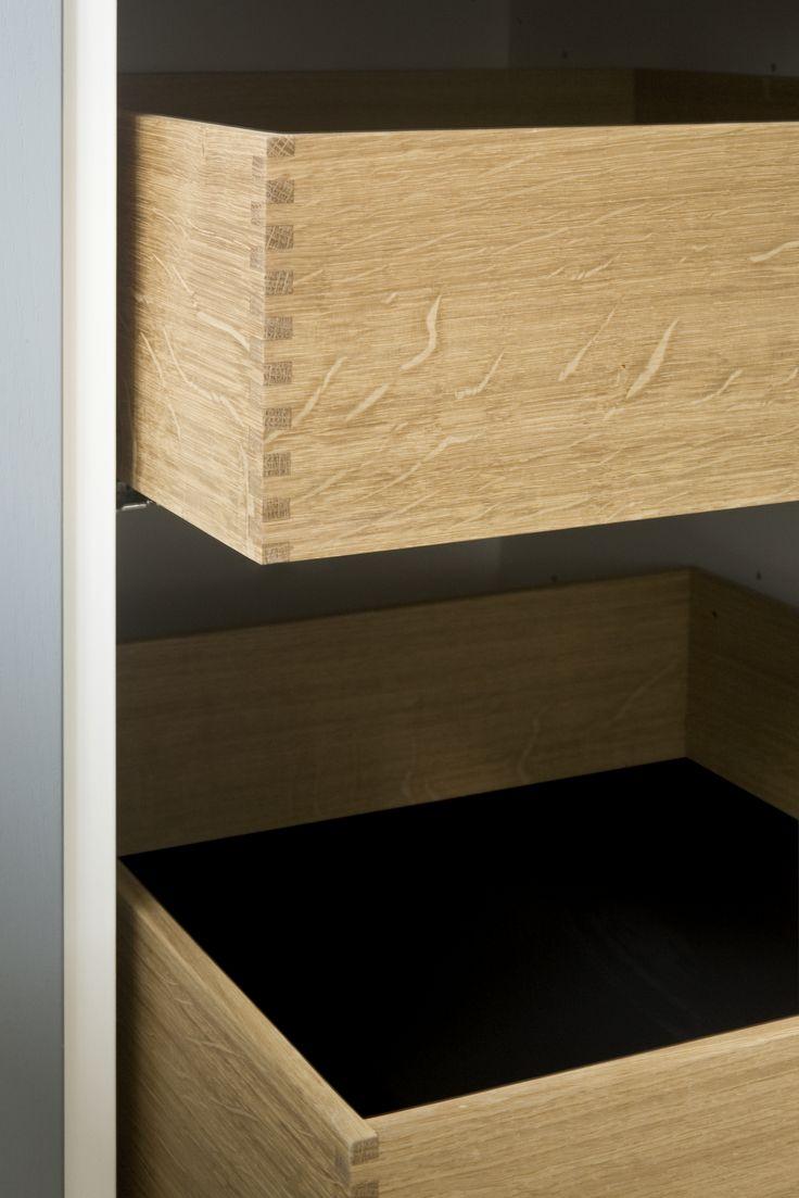 Wide finger jointed oakwood drawers: Details from Taarbæk Strandvej.
