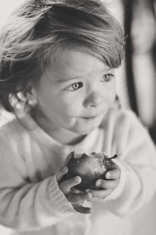 Apple.  © Marta Mandryto