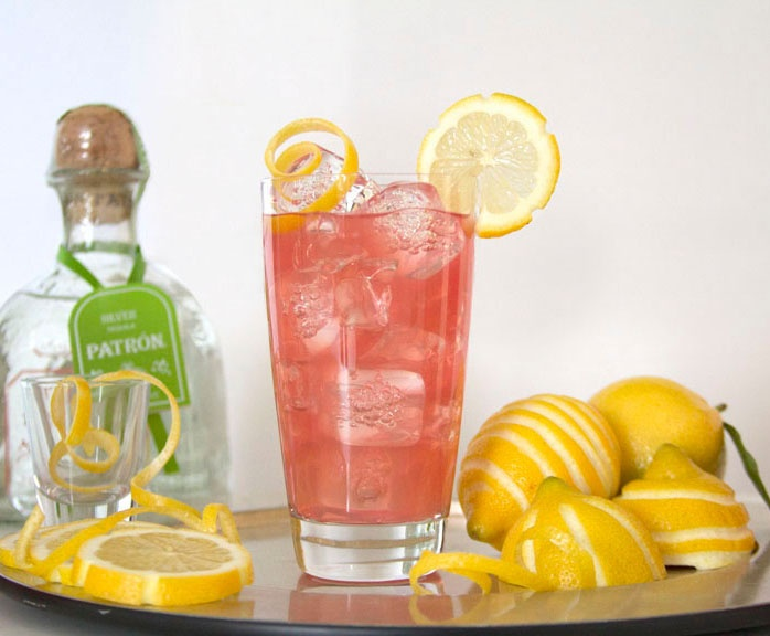 Fun shaped lemon garnishes make the Patrón Silverback more special for brunch. Click for full recipe (sign up required). #brunch #patron #cocktail #patrontequila #entertaining #drinks #patronsilver
