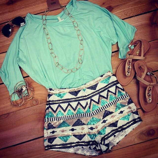mint shirt / print short
