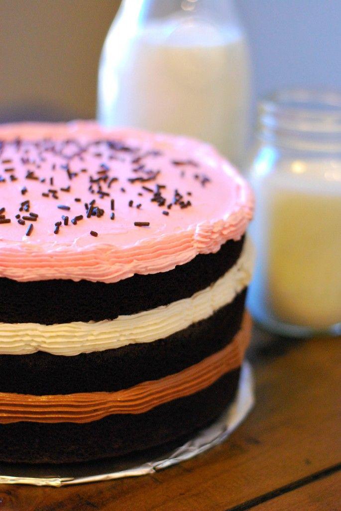 Inside-Out Neapolitan Cake on http://www.cakeandallie.com