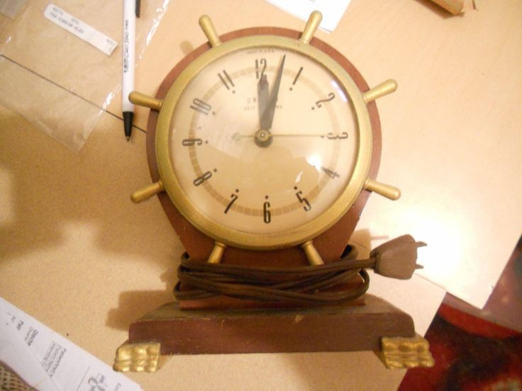 VINTAGE UNITED Clock Corp.  SHIPS WHEEL NAUTICAL Shelf Mantel   CLOCK