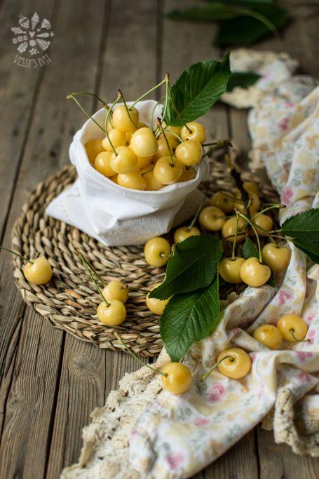 White Cherries | Vessy's Day - Veselina Zheleva