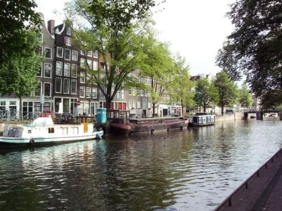 Along with the Herengracht and Keizersgracht, one of the three major canals that shape the city.