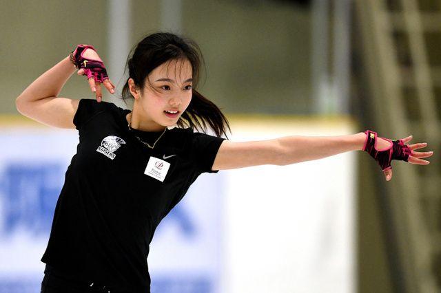 フィギュアスケート女子の本田真凜(大阪・関大高)と白岩優奈(関大ク)が30日、関大アイスアリーナ(大阪府高槻市)で9月からのシーズンに向け練習を公開した。 本田は、ショートプログラムで新しい曲に取り…