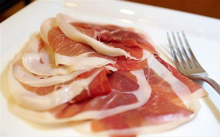 プロシュット(イタリア)イタリア式の燻製しない生ハム