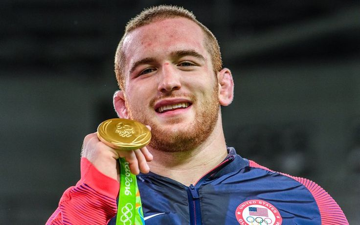 20-year-old @Snyder_man45 becomes youngest Olympic champion in U.S. history http://go.teamusa.org/2bsEO02  #Wrestling