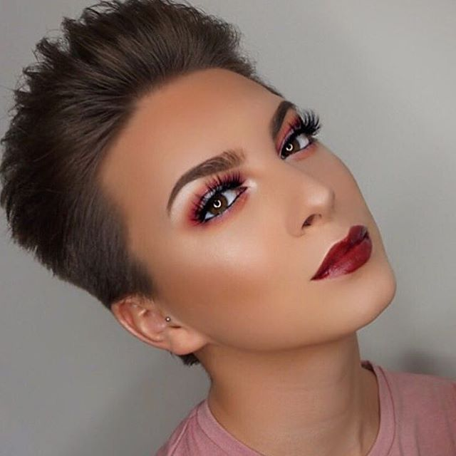 What are up to this afternoon?We're fan-girling over @rowanyoung_'s #wowbrows using precisely, my brow pencil  #benefitbrows #makeup #beauty