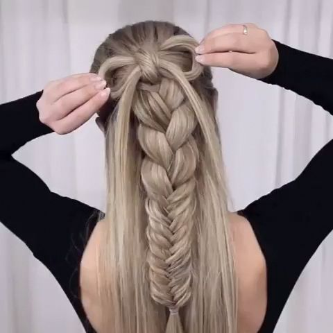 The Bow & Braid combo. You need to have a try.:) Amazing work by @n.starck #braids #bows #blonde #summerhairstyle #hairlove #hairinspo #hairgoals #girls #braidedhairstyle #fashion #summer