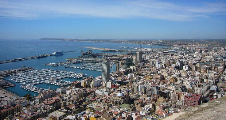 Alicante seen from Castillo de Santa Bárbara.