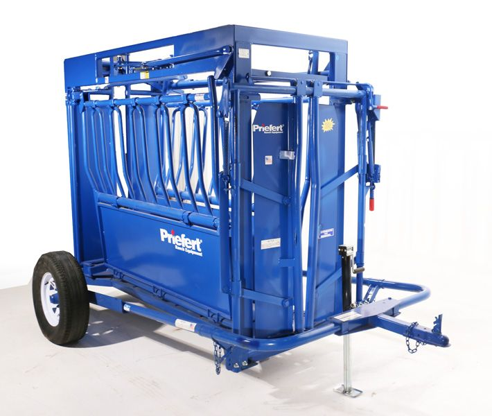 This carriage is specifically made to fit the Model SC13 squeeze chute and comes with appropriate receiver attachments for a quick and easy connection.