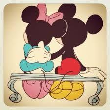 Resultado de imagen para mickey mouse y minnie enamorados besandose                                                                                                                                                     Más