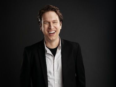 Talking to Pete Holmes About His New TBS Late Night Show, Long Podcasts, and Conan