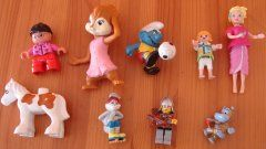 little figurines to include in a time capsule for baby - this and many more time capsule ideas!