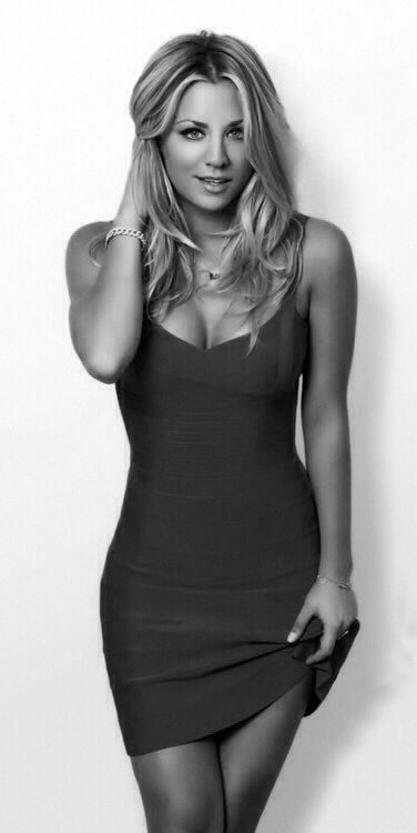 """Tht Big Bang theory-kayley I swore I would never post a pic of Kayley Cuoco, because I can't think of anything more cliche right now than a self professed geek saying """"Ohhh look how hot the big bang theory babe is."""" But this picture is so hot I couldn't resist making an exception."""