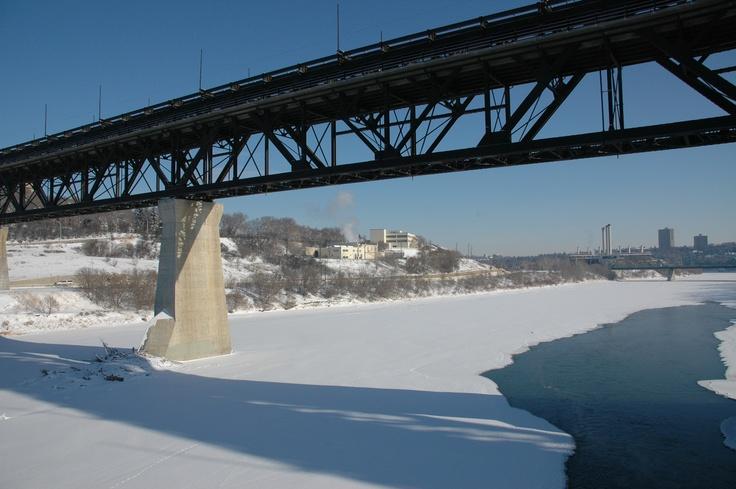 High Level Bridge in Edmonton, Alberta, Canada.  February 2008.  (Photo by Paul, February 2008)