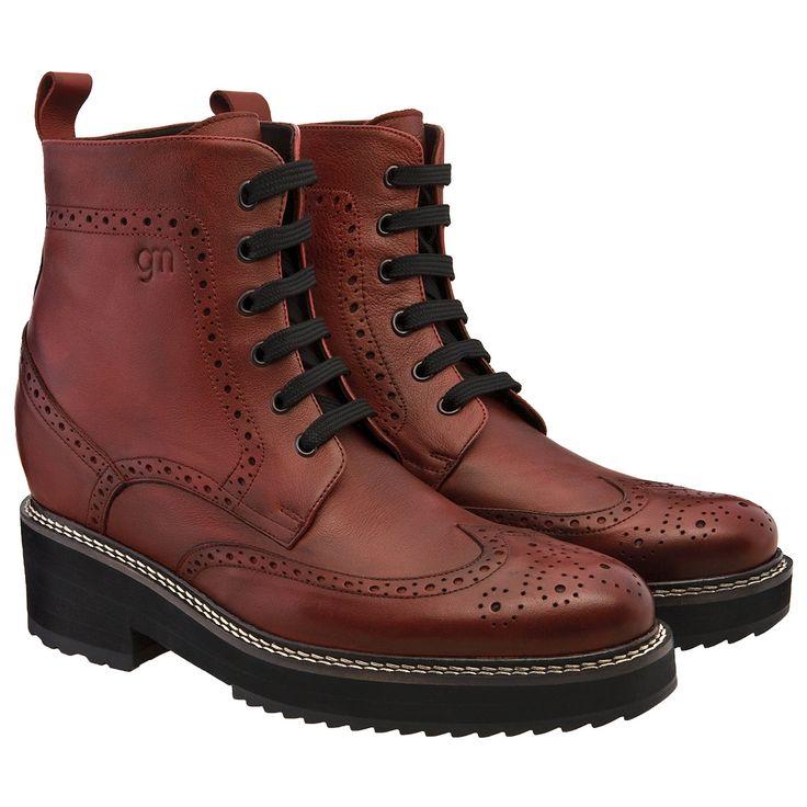 """Guidomaggi - scarpe con rialzo per uomo e donna.  Stivale rialzato rosso """"Bordeaux"""" - € 550 http://www.guidomaggi.it/collezione-lusso/stivali-da-12cm/bordeaux-detail#.UzQOOKh5OSo"""