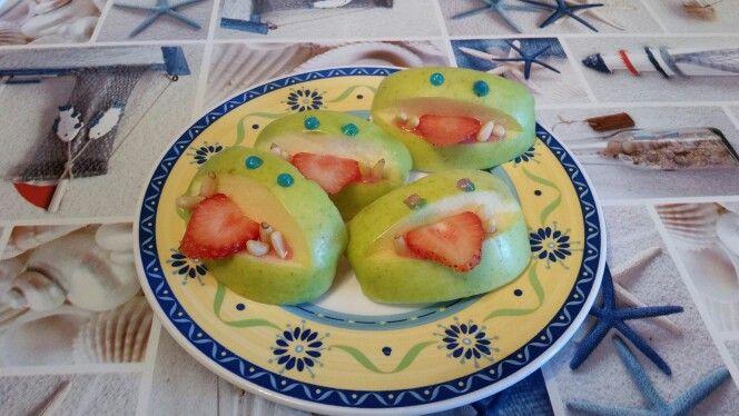 Mostri di mele e fragole