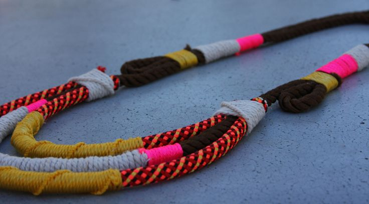 Friendship necklace.: Crochet Necklaces, Diy Ideas, Jewelry Tutorials, Diy Necklaces, Ropes Necklaces, Tribal Jewelry, Diy Ropes, Summer Accessories, Friendship Necklaces