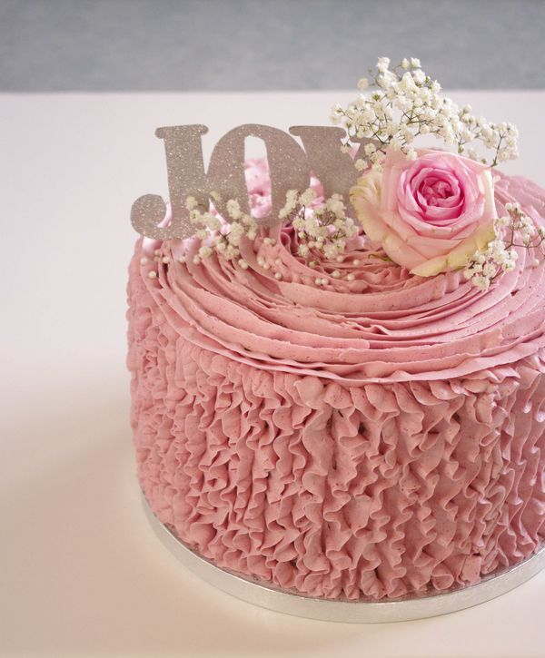 Raspberry ruffle cake - Layer cake à la framboise | I Love Cakes
