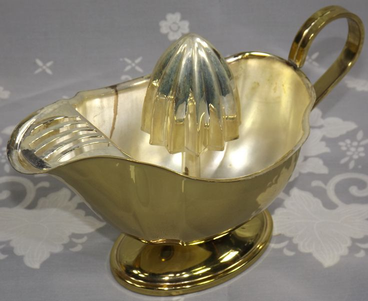 Strainer silver plate and gold plate juicer with removable reamer