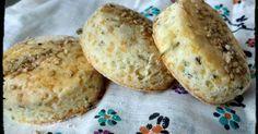 Fabulosa receta para Scons de queso y orégano sin gluten. Pensé en unas galletitas saladas con mucho sabor para una picada y porque no como masa de tarta. Es fácil, es rápida y podemos guardar los Scons pre-cocidos en el freezer para ir degustándolo de a poco.