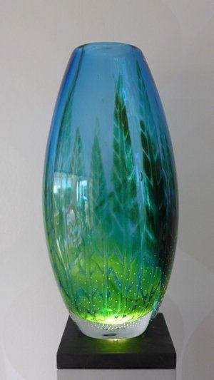 Sweden Crystal Design - Water Life vas graal: Vas av Mikael Axenbrant utförd i den mest avancerade svenska glasblåsarteknik gjord i endast ett exemplar.