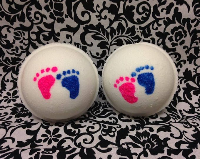 Cool gender reveal bath bombs!