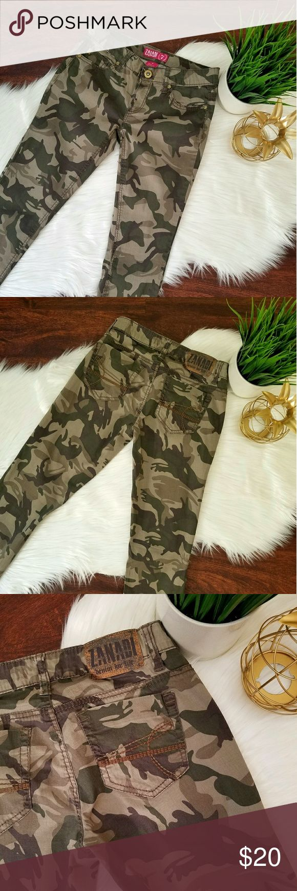 Camo Skinnies 🍂🍃 Camo skinny pants. They look like jeans, but are actually a cotton spandex elastic material. Super comfy and fitted! Pair with a sweater or jacket and you'll be styling for fall! Zanadi Jeans Skinny