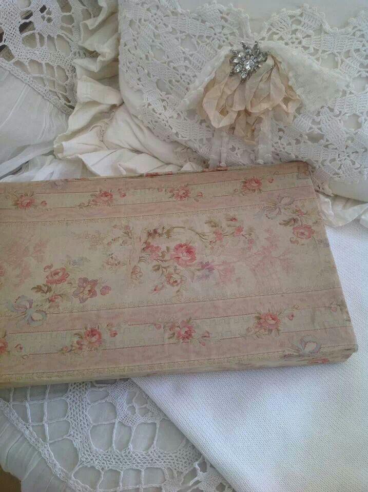 442 Best Images About Boxes On Pinterest Vintage Fabrics