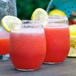 Strawberry Vodka Lemonade 1 cup sugar 1 cup water 1 pint fresh strawberries 1 cup fresh lemon juice (about 8 lemons) 4-6 cups cold water 1 cup vodka